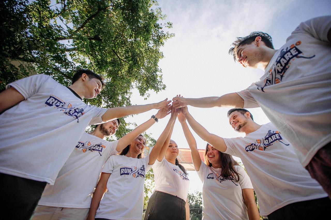 Team Building Ideas: Indoor vs. Outdoor
